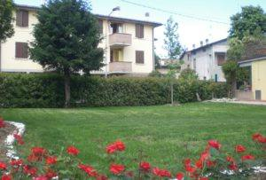 Mastro Verde - Giardinieri a Reggio Emilia e Modena - mastro-verde-giardini-parchi-aree-verdi-irrigazione-prato-modena-reggio-emilia-Cadelbosco-007-300x203