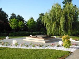 Mastro Verde - Giardinieri a Reggio Emilia e Modena - mastro-verde-giardini-parchi-aree-verdi-irrigazione-prato-modena-reggio-emilia-Cavriago-009-300x225